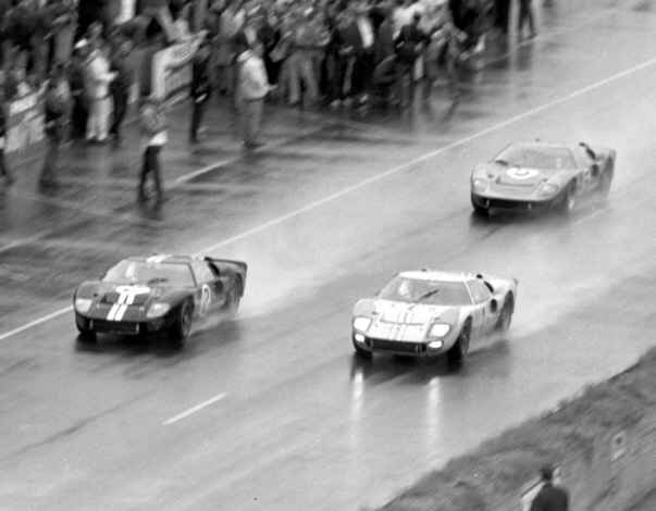 GT40 in Le Mans